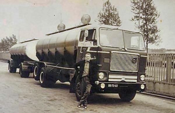 Volvo-f-88-eerste-type-Chauff--Albert-Pronk--