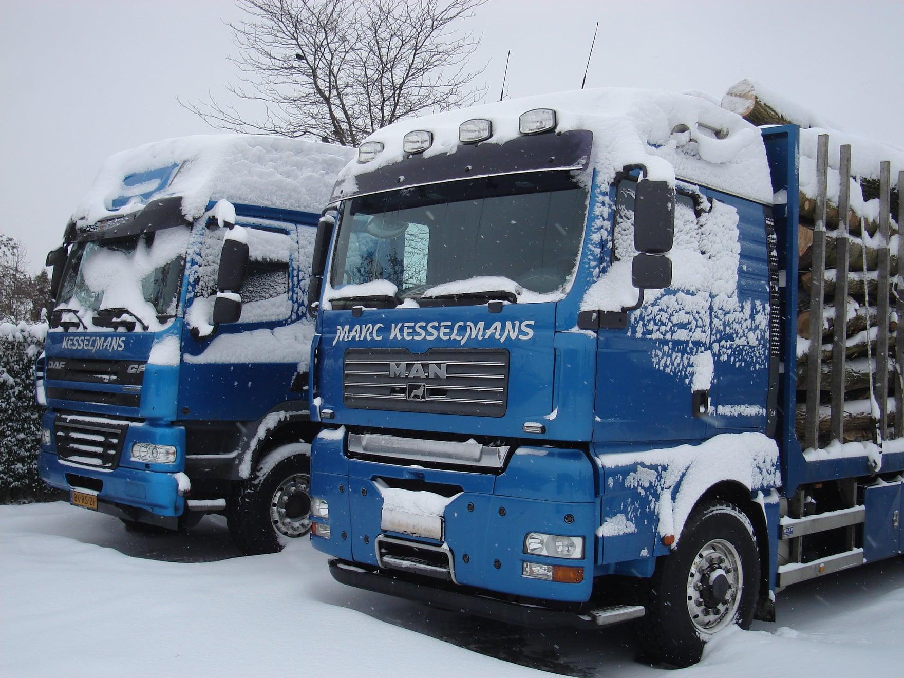 2009--De-Daf-cf-werd-gereden-door-Patrick-Wijnhoven--De-andere-twee-wagens-door-Hein-en-Marc-(1)