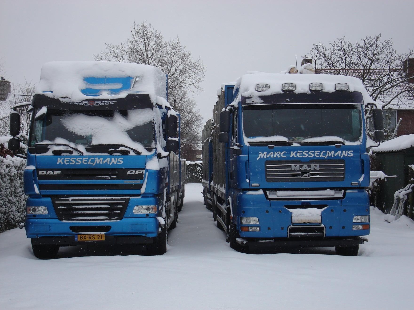 2009--De-Daf-cf-werd-gereden-door-Patrick-Wijnhoven--De-andere-twee-wagens-door-Hein-en-Marc-(2)