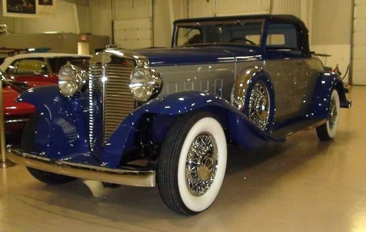 Marmon-Sixteen-Cabrio-Coupe-1932-V-16-200-HP