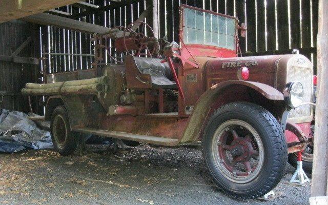 Stewart-Pumper-Fire-Truck-1926