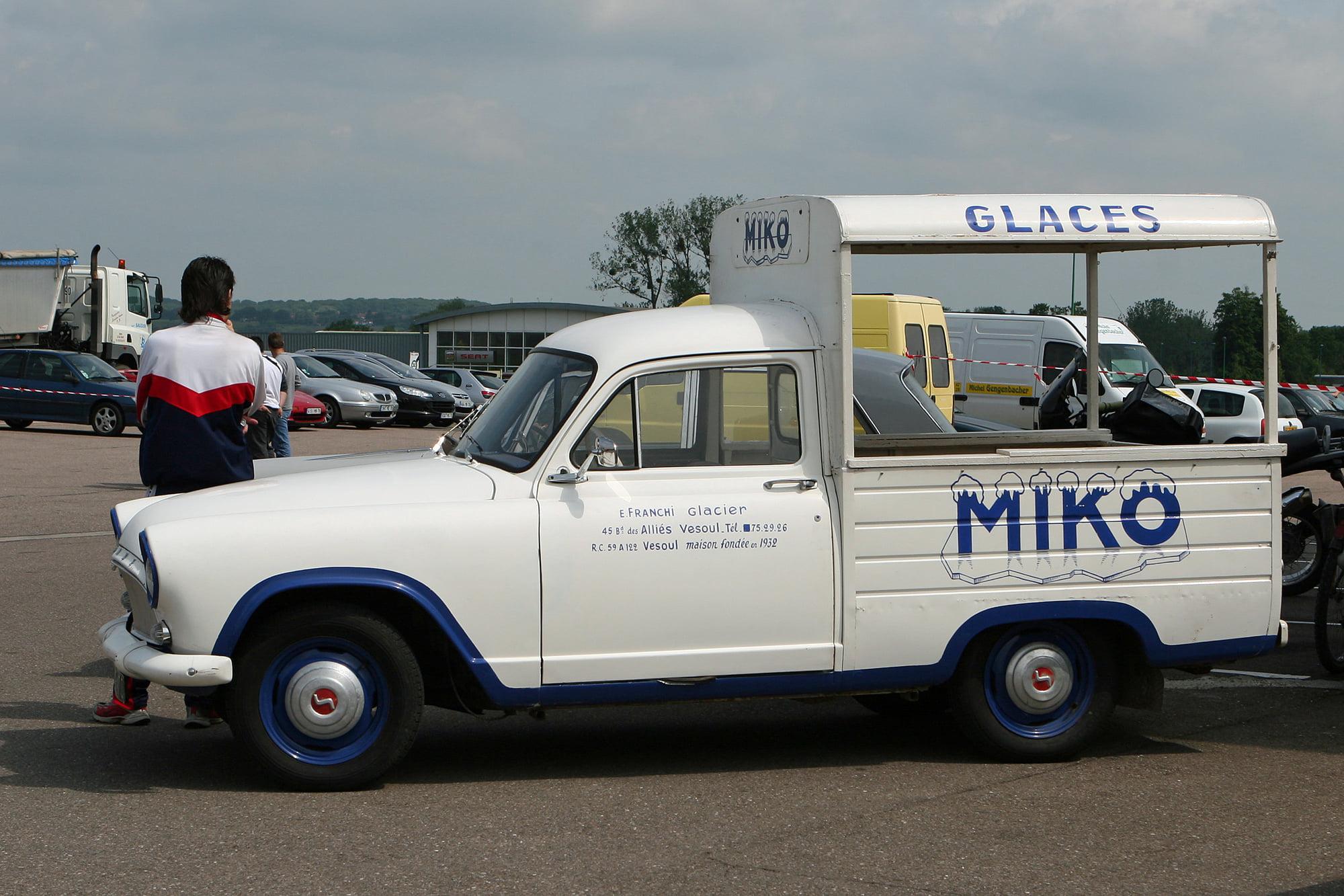 Simca-Aronde-P60-Pickup-(2)
