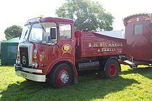Atkinson_Ballast_Tractor_-_fairground-220-PK