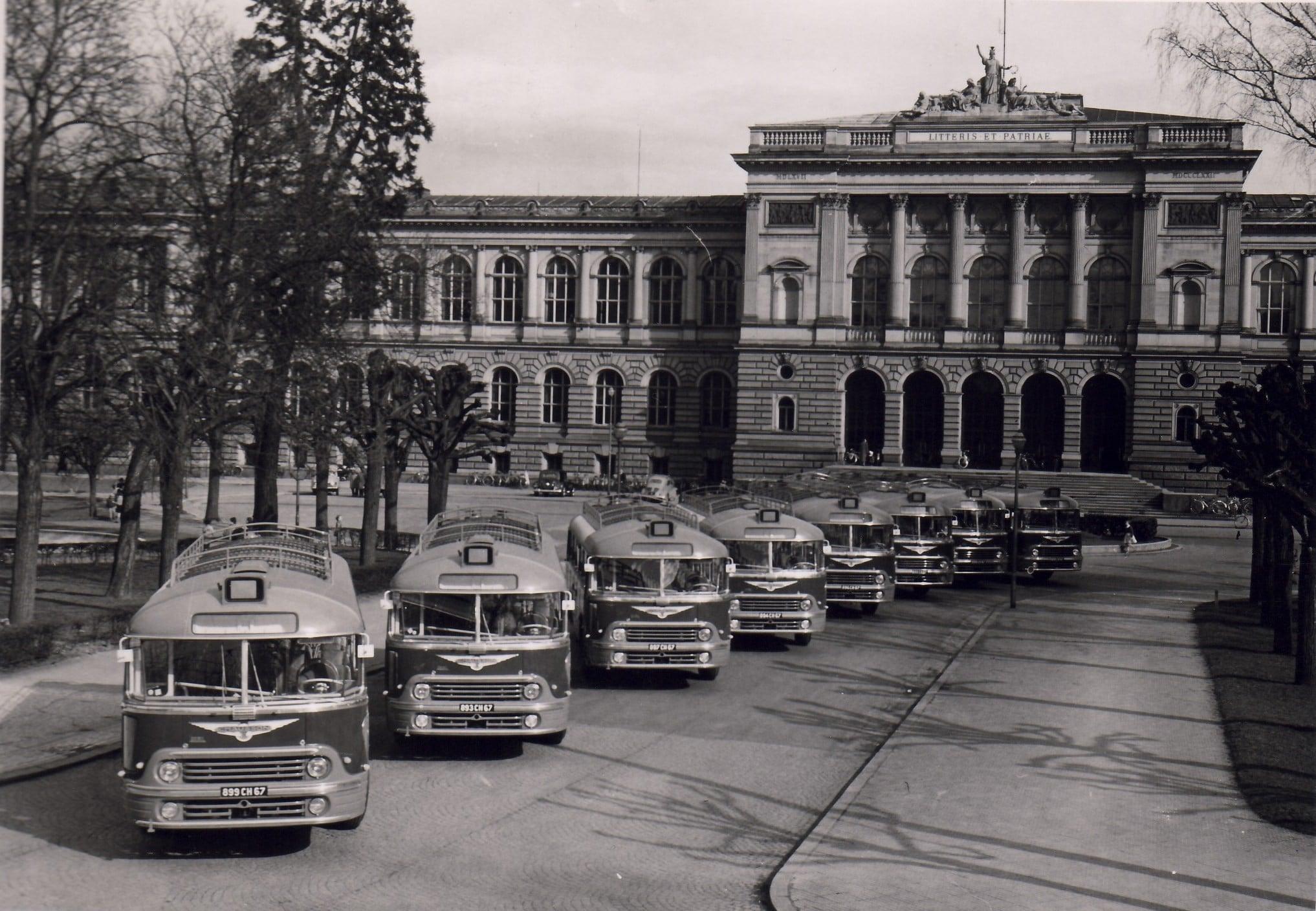 Chausson--Straatsburg-voor-het-Palais-Universitaire-Marc-Bloch-in-1955
