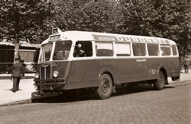 Chausson-APH-48--Nez-de-cochon-Paris-en-1952