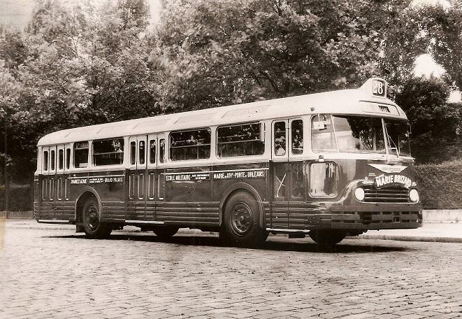 Chausson-APU-bus-in-Parijs-in-1954