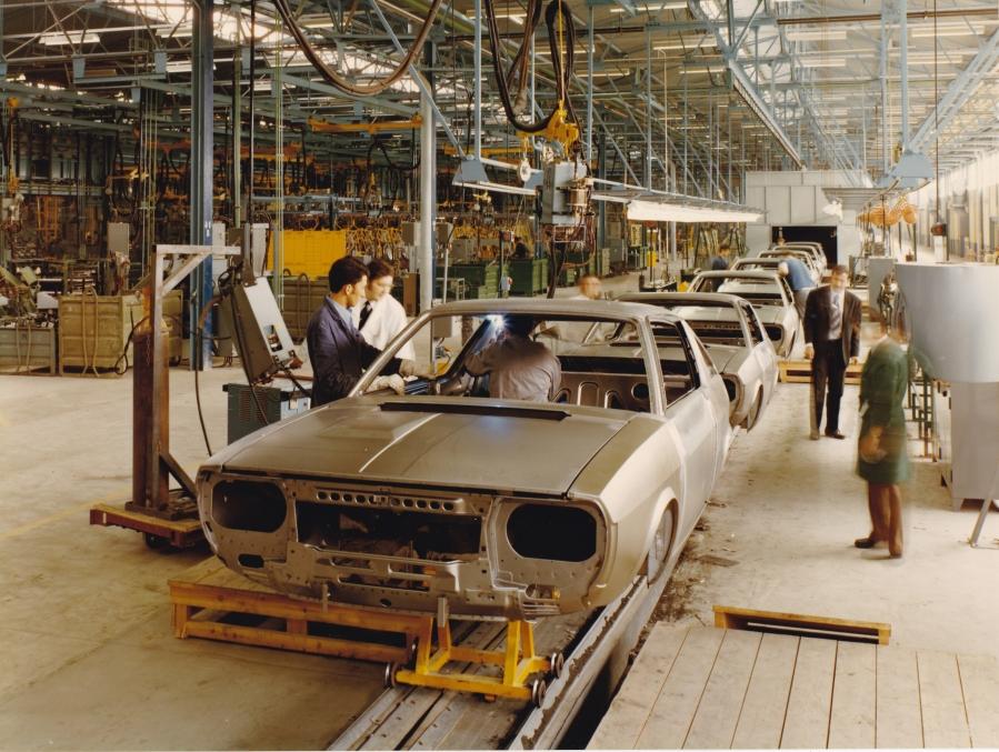 Chausson-Montage-R17-Maubeuge-1972_article_l_retromobile_fre