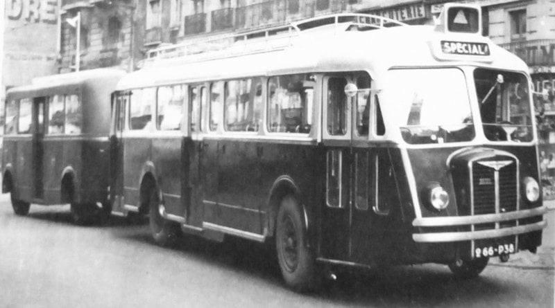 Chausson-in-Greneblo-geleide-bus-die-later-verboden-werden