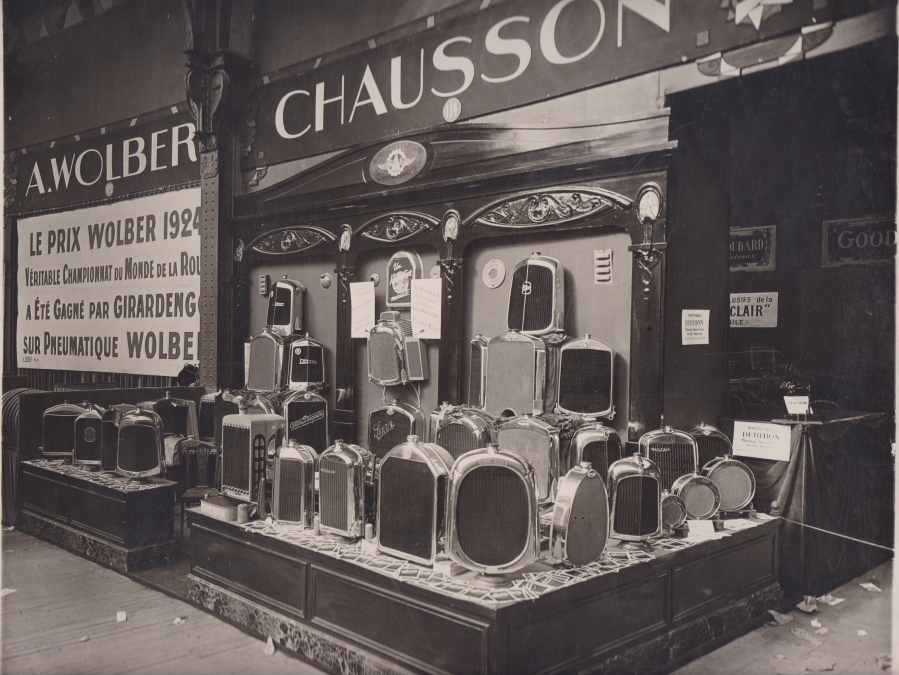 Salon-de-l-automobile-1924-stand-Chausson-radiateurs_article_l_retromobile_fre