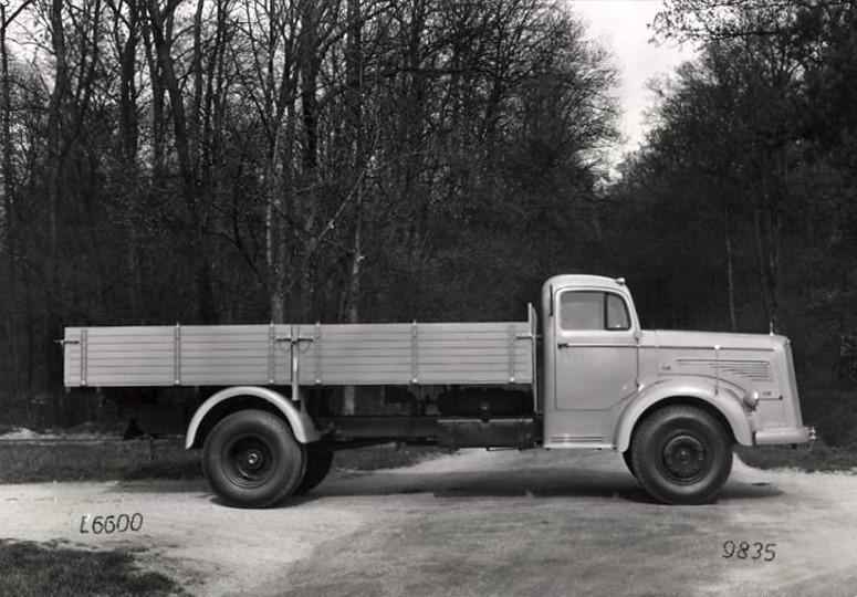 Mercedes-Benz-L-O-6600--(2)