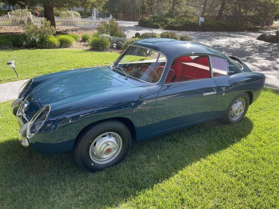 Fiat-Abarth-750-GT-Zagato-uit-1958-werd-nieuw-geleverd-in-Canada-en-werd-tot-in-de-jaren--1990-door-vier-eigenaren-geracet-(1)
