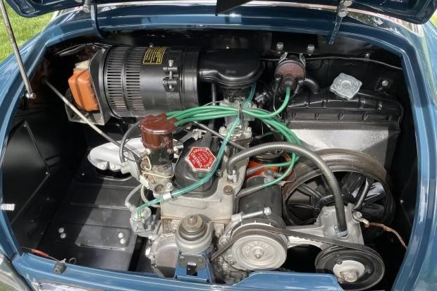 Fiat-Abarth-750-GT-Zagato-uit-1958-werd-nieuw-geleverd-in-Canada-en-werd-tot-in-de-jaren--1990-door-vier-eigenaren-geracet-(5)
