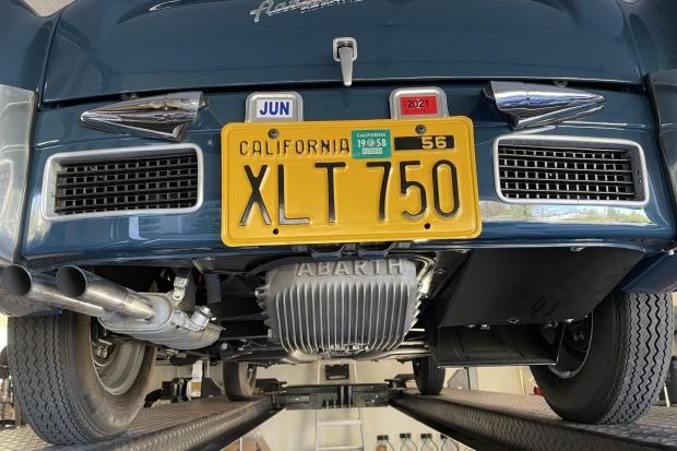 Fiat-Abarth-750-GT-Zagato-uit-1958-werd-nieuw-geleverd-in-Canada-en-werd-tot-in-de-jaren--1990-door-vier-eigenaren-geracet-(8)