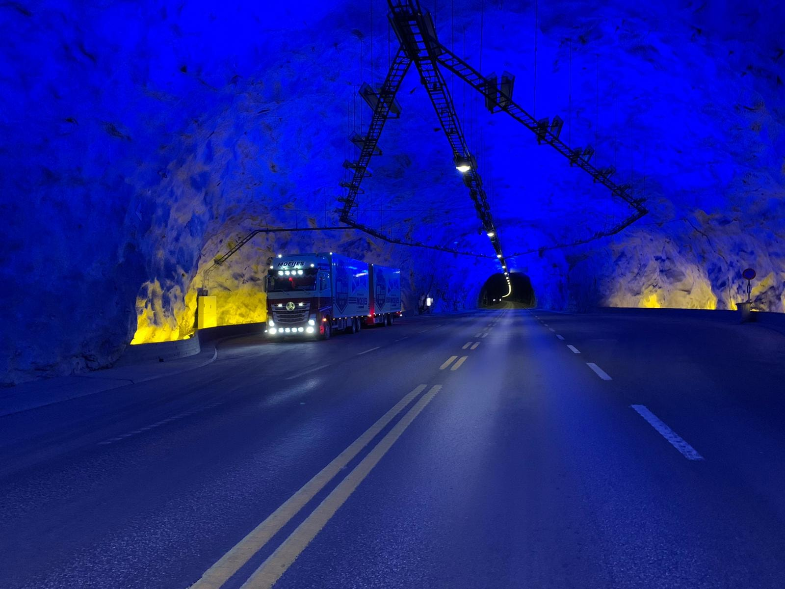 Danny-onderweg-naar-Bergen-in-Noowegen-Laerdalstunnel-23-3-2021--(2)