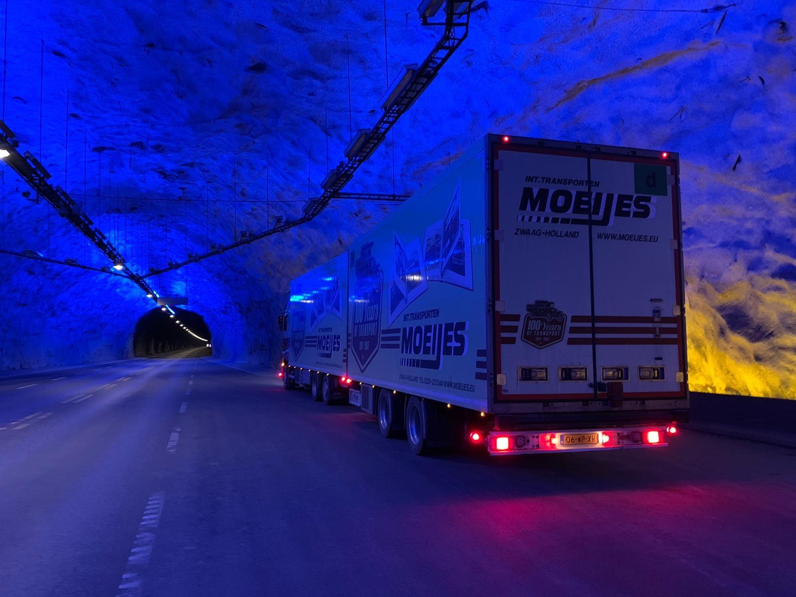 Danny-onderweg-naar-Bergen-in-Noowegen-Laerdalstunnel-23-3-2021--(4)