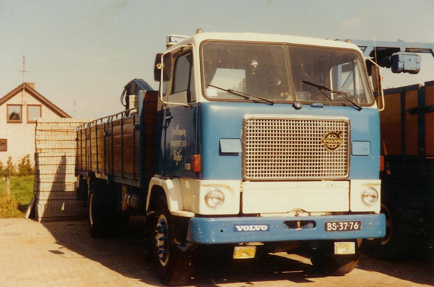 Volvo-F88-BS-37-76