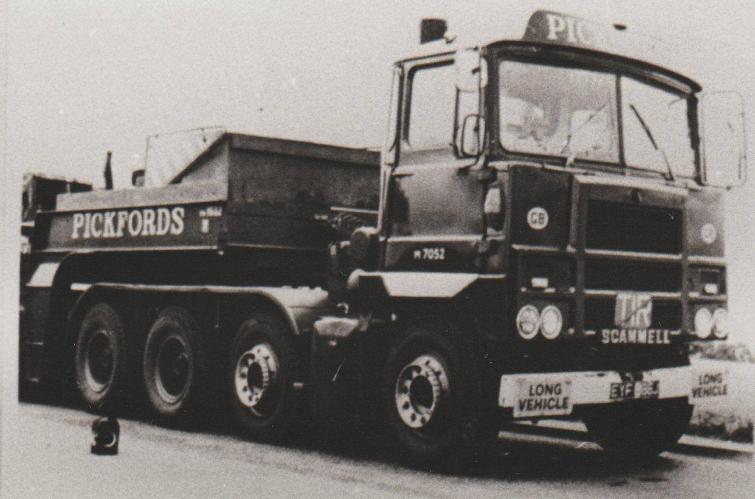 Scammell-8X4-EYF-886J