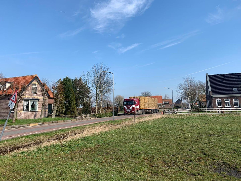 vrachtstro-op-de-100-ste-verjaardag-van-Cees-Dekker
