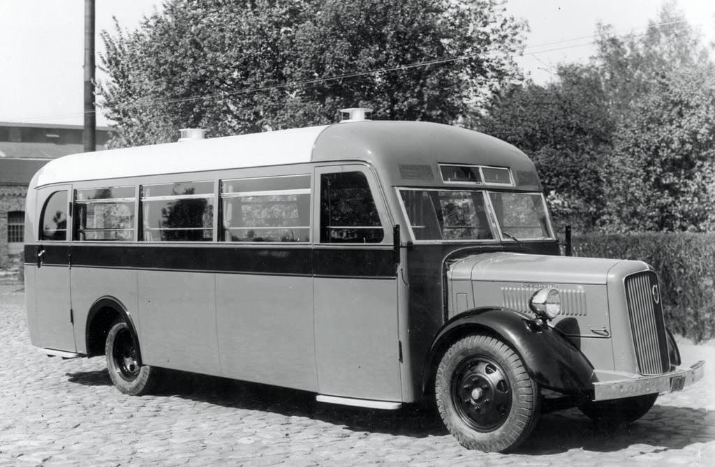 Volvo-buss-Letland-1930