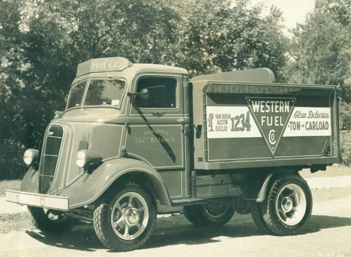 Studebaker-postcard-chicago-truck-western-fuel-company