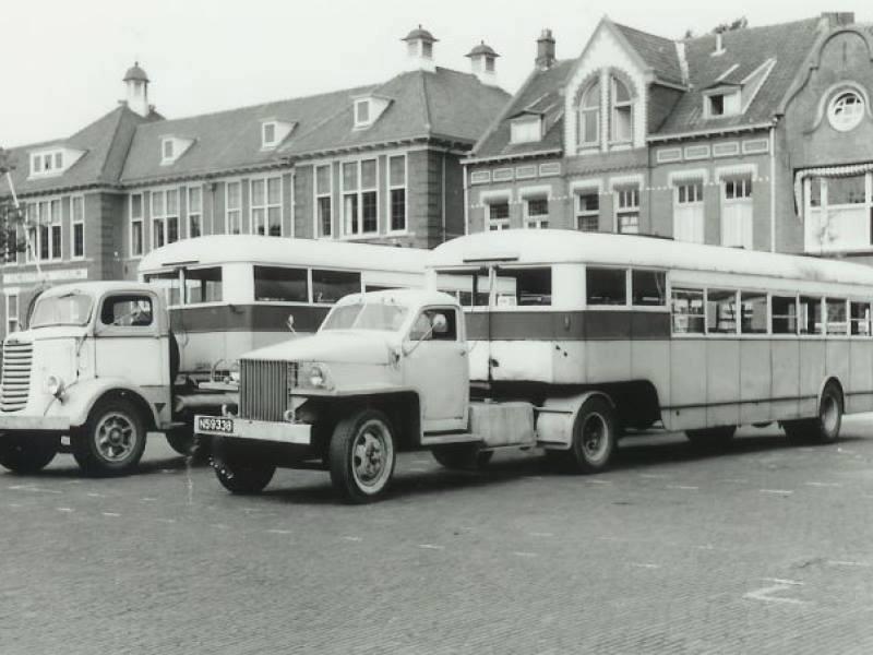 Studebaker-rechts-Mack-Links