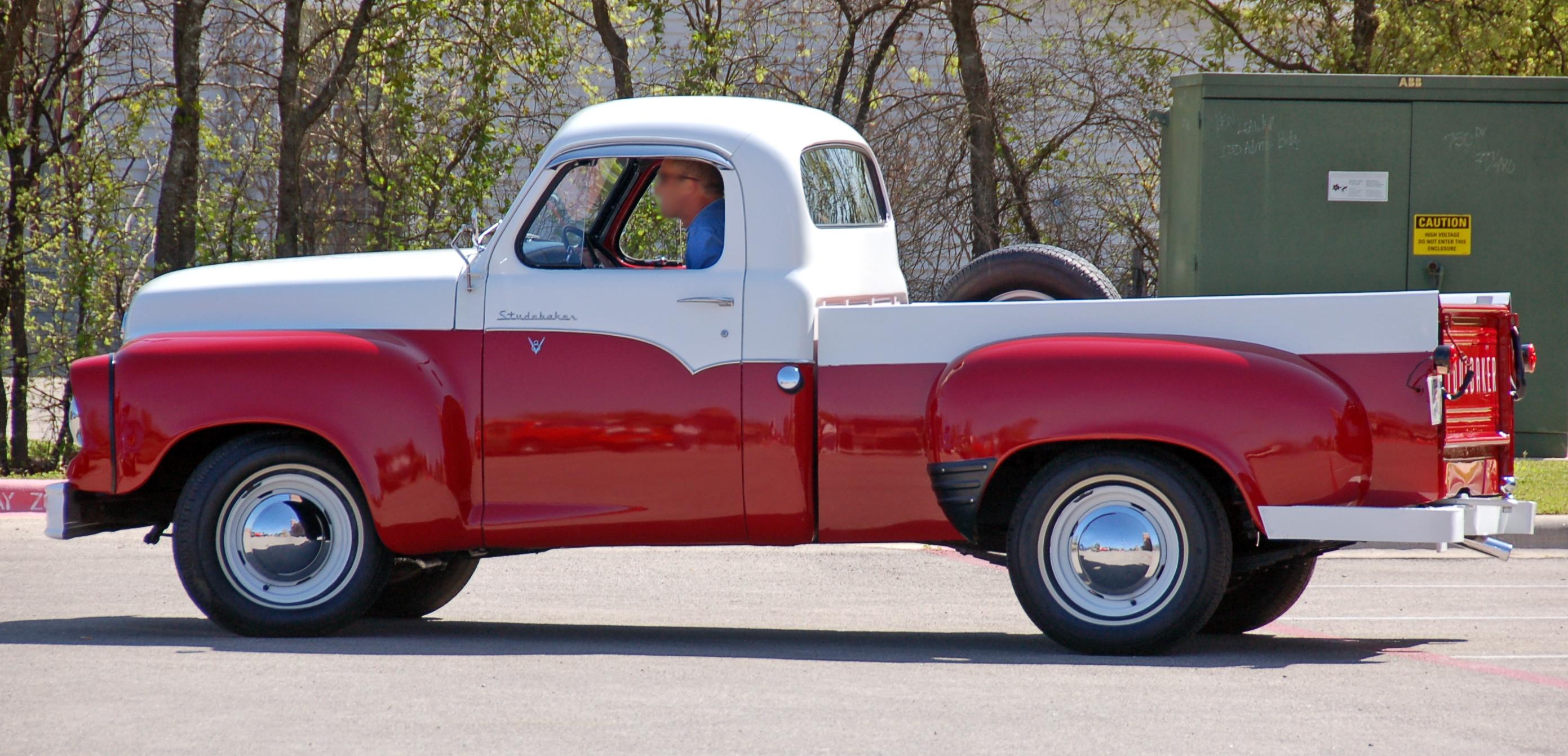 Studebaker_Deluxe_4E-1959