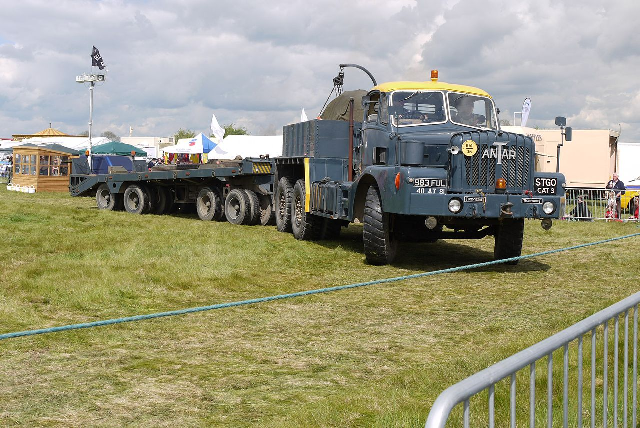_Antar_Lorry_-_tank_transporter