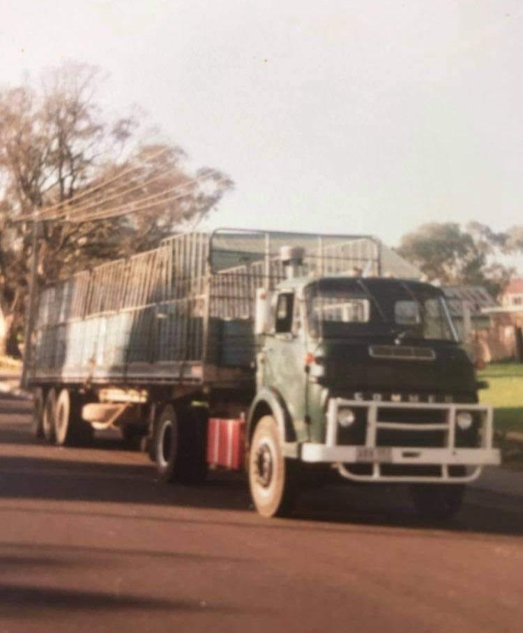 Commer-1976-Australie