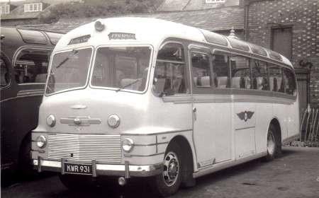 Commer-Avenger--Plaxton-C33F-carr--1951