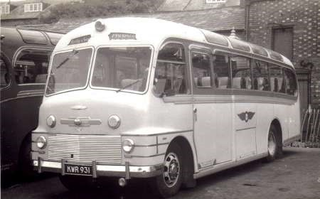 Commer-bus-car