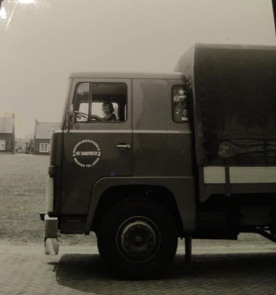 Scania-met-zoon-van-broer-Verlinden--Theo-Sijbers-archief
