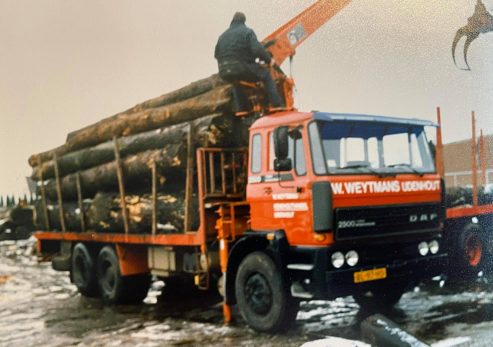 Bert-is-de-Daf-2500-aan-het-laden
