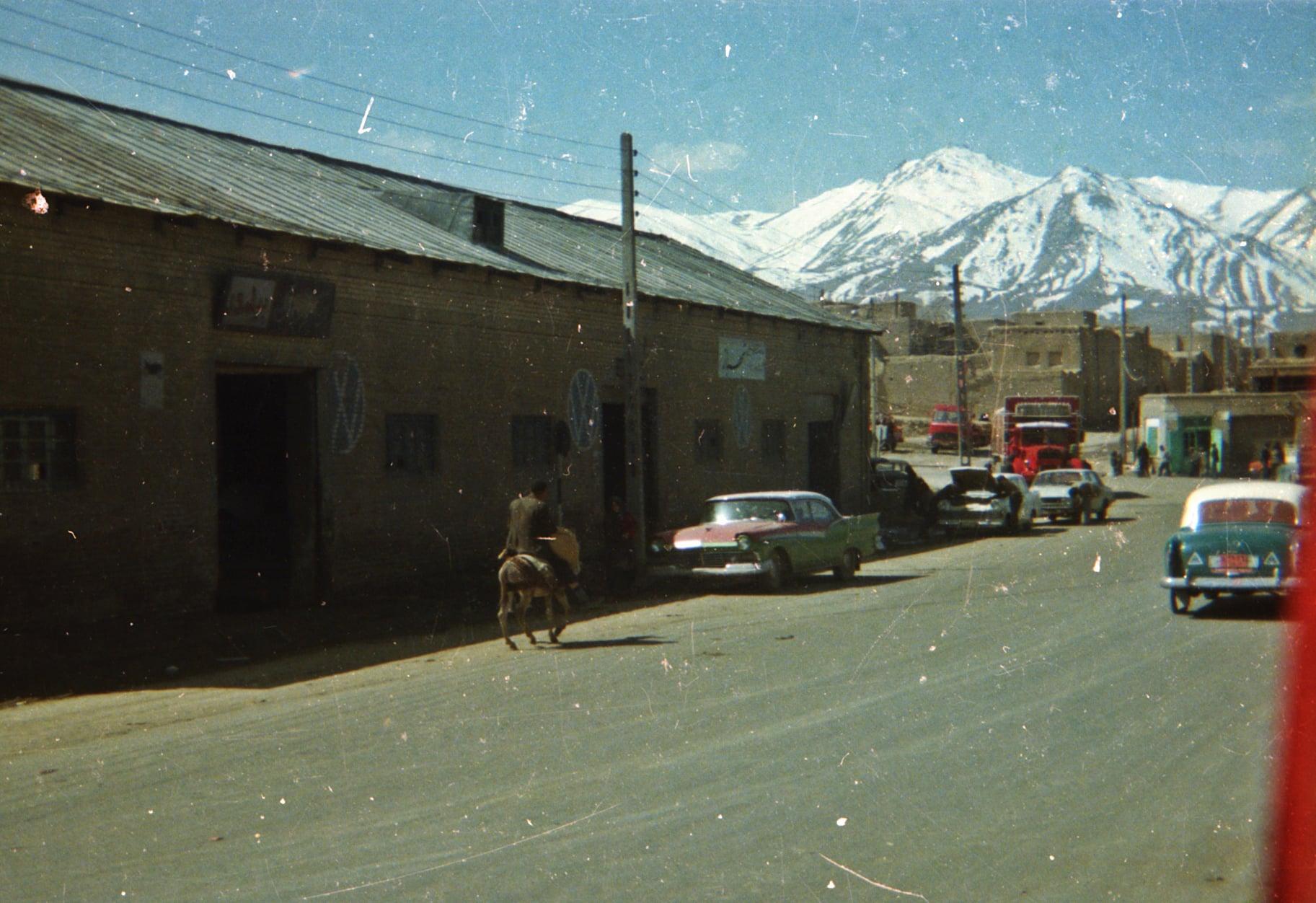 Chauffeur--Arie-VanderEnt-naar-Irak-begin-jaren-80-archief-zoon-Jan-(4)