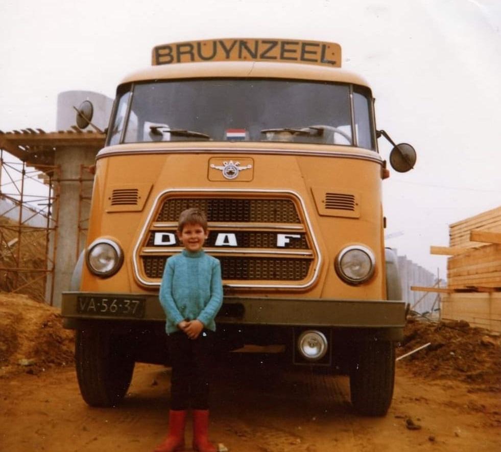 Pieter-de-Vries-hier-4-jaar-voor-de-wagen-van-zijn-vader