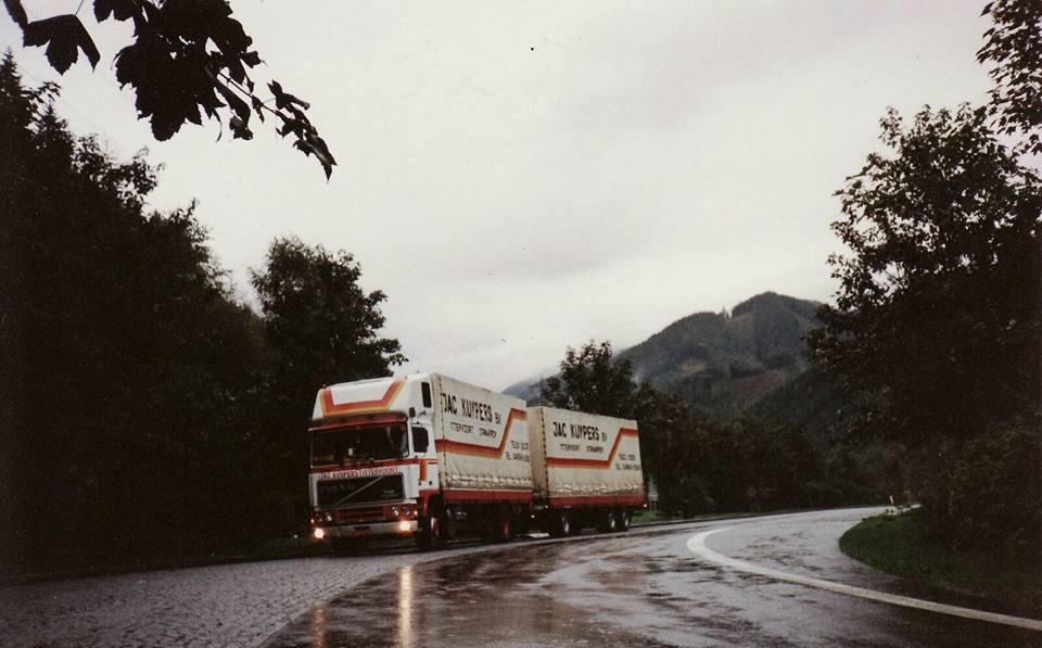 Wim-Hendriks--Mijn-auto-toen--foto-heb-ik-genomen-bij-Graz-Oostenrijk--Had-gelost-Coca-Cola-Wien-en-was-op-weg-naar-laadadres-in-Leibnitz