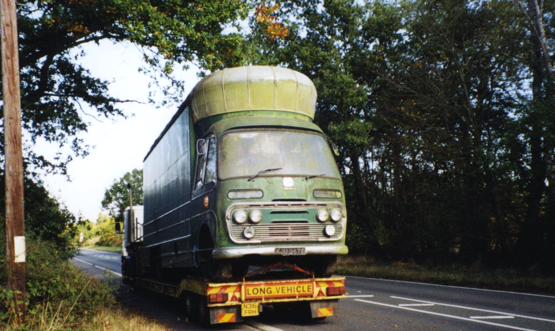 Bedford-SB3-filmwagen-1967-voor-en-na--(4)