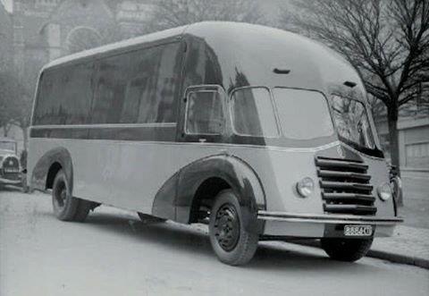 Citroen-P45-en-cabine-integrale-construction-en-1945-46
