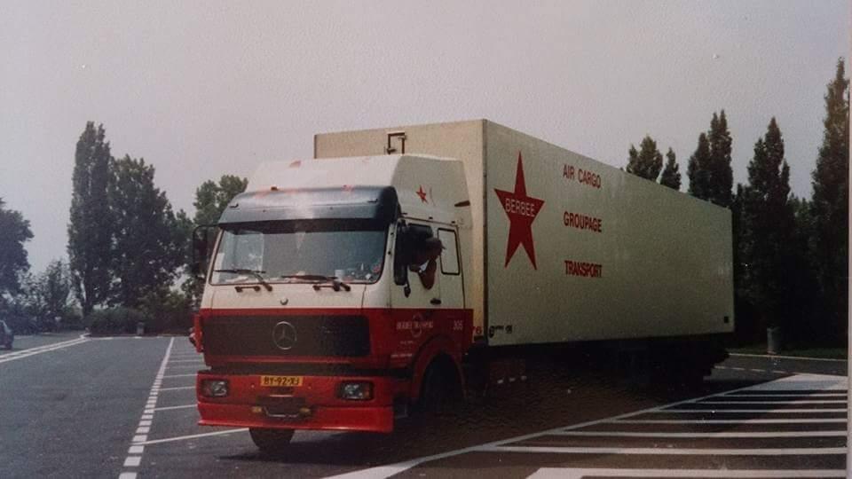 Mercedes-met-koel-trailer