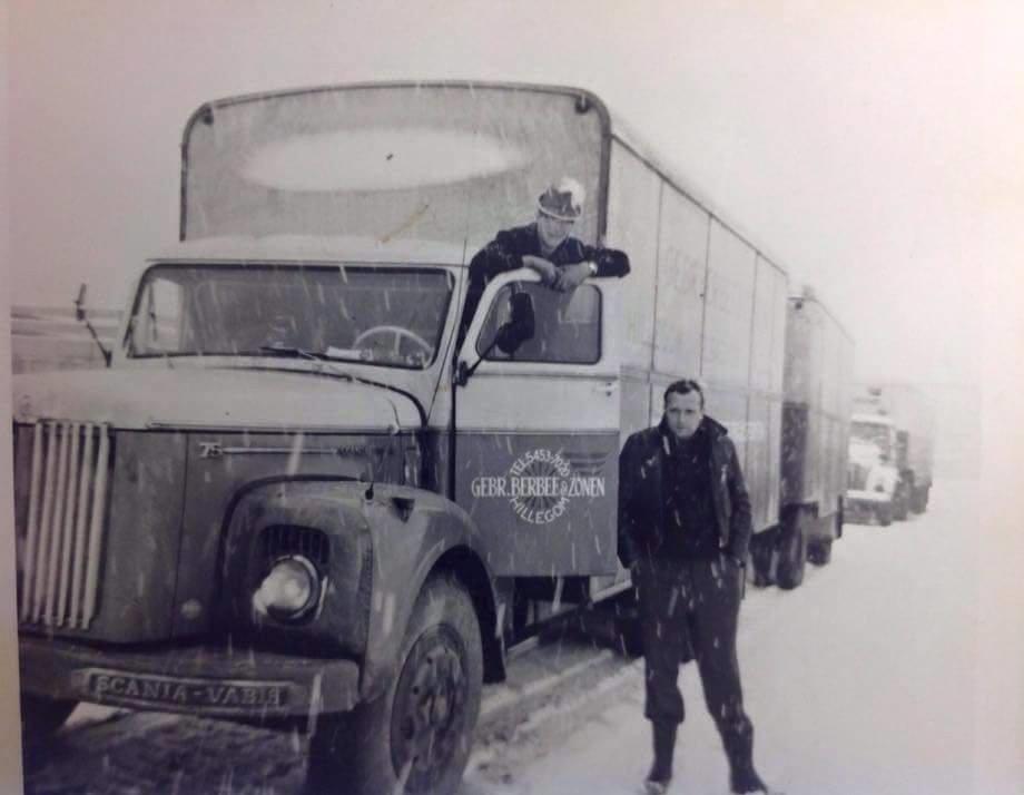 Scania-Vabis--Chauffeur-Hugo-en-Henkie-Berbee