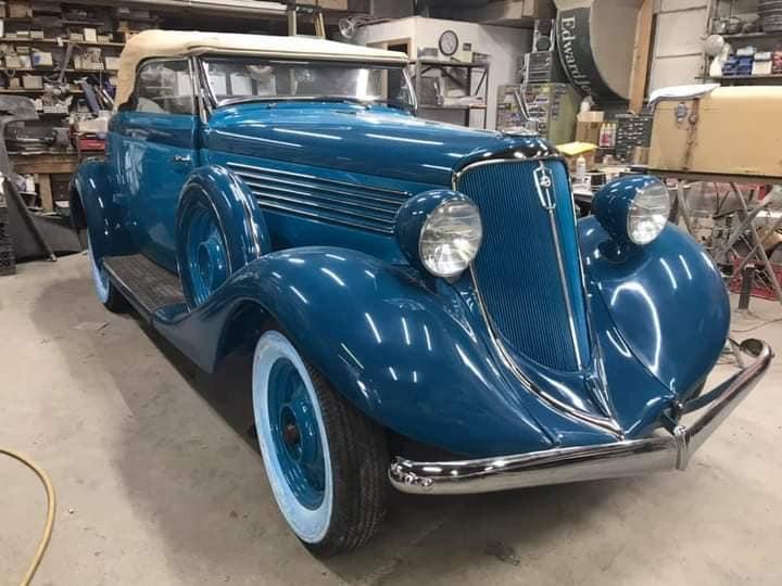 Studebaker-Comander-Regal-Cabrio-Coupe--1934--(1)