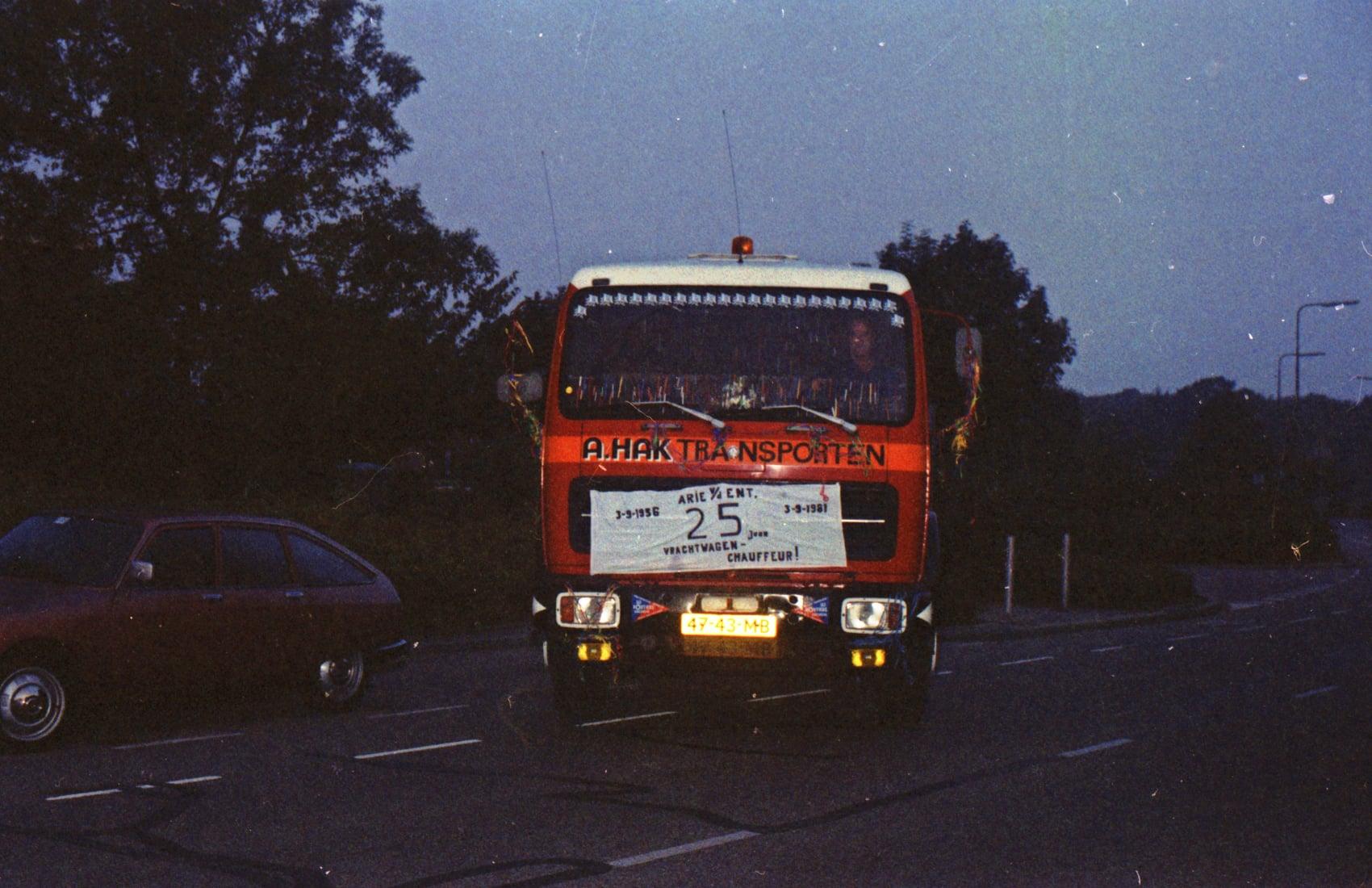 Jan-VanderEnt-1981-25-jaar-chauffeur