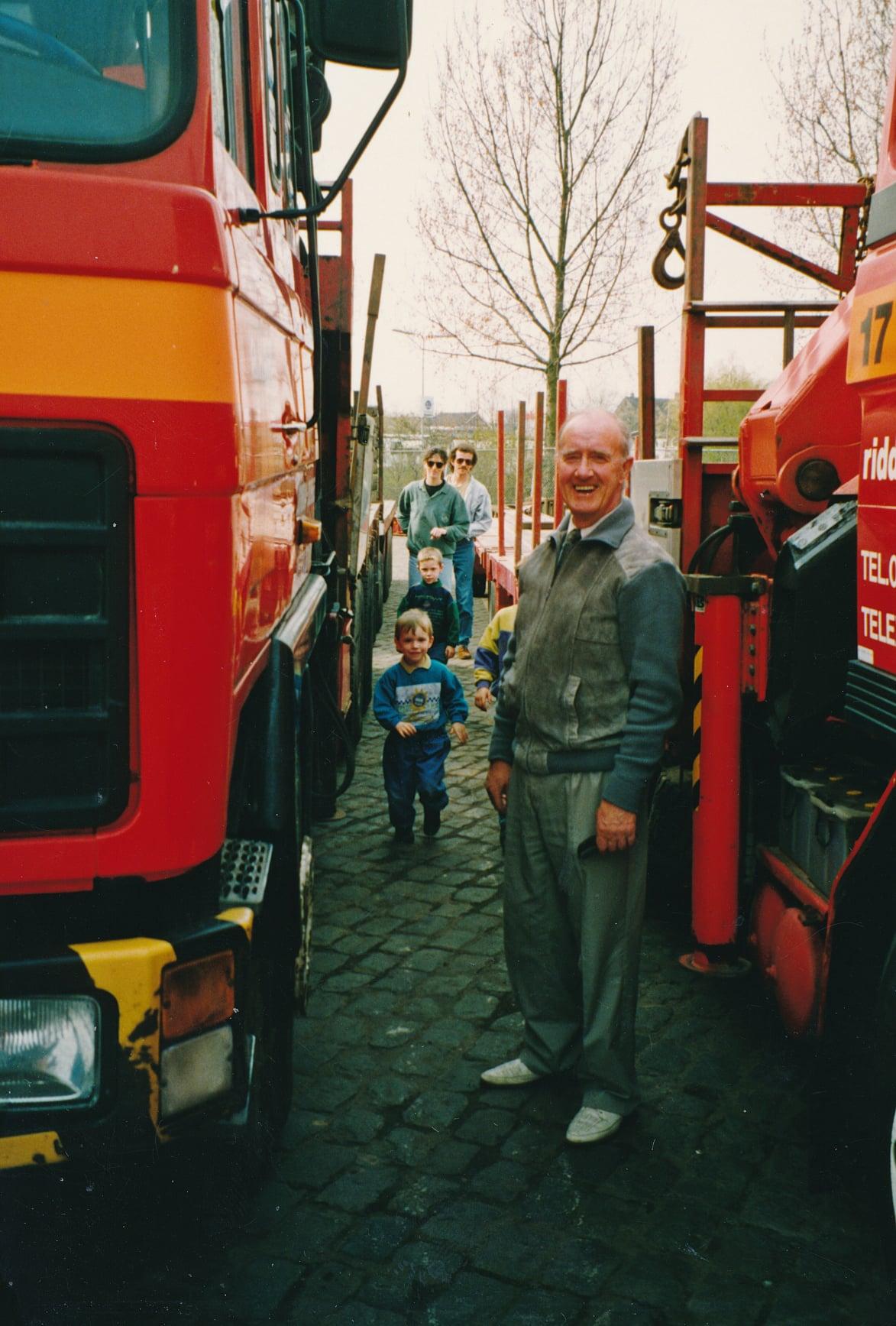 Jan-VanderEnt-opendaag-van-de-zaak----Dan-Moeder-kinderen-en-kleinkinderen-mee--(1)