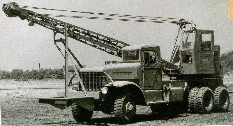 Brockway-6X6-B-666--motor-Hercules-diesel-6-Cyl-202-CV-met-Corbitt-krane