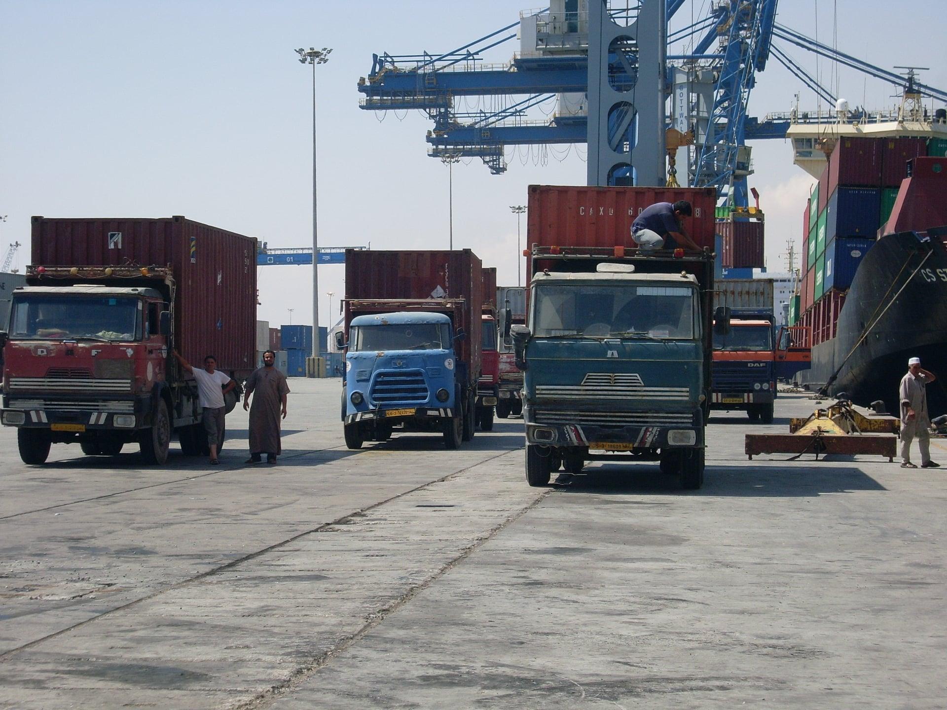 Daf-in-de-haven-van-Tripolie-2018--Ad-van-Heel-geel-archief--(10)