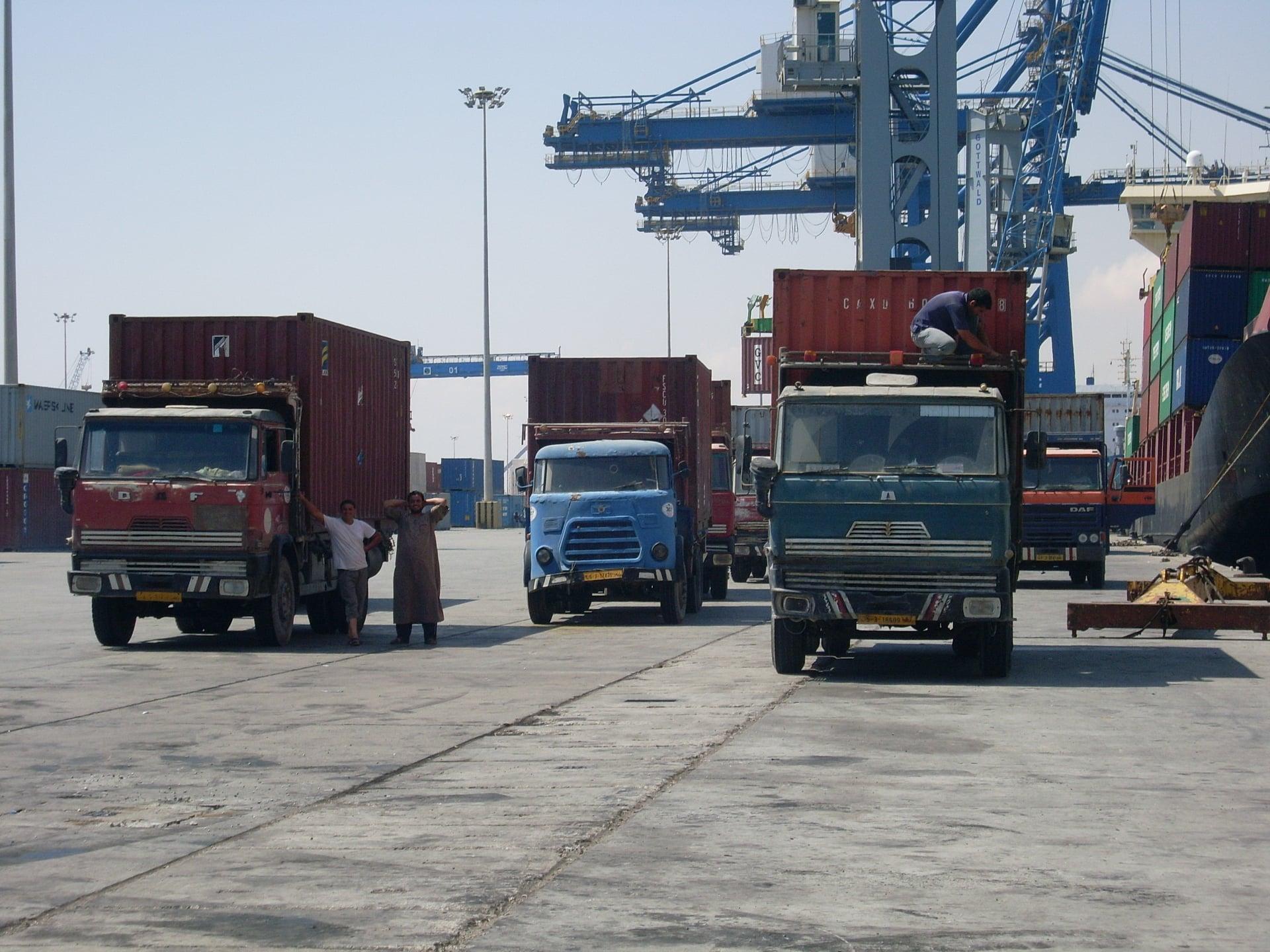 Daf-in-de-haven-van-Tripolie-2018--Ad-van-Heel-geel-archief--(16)
