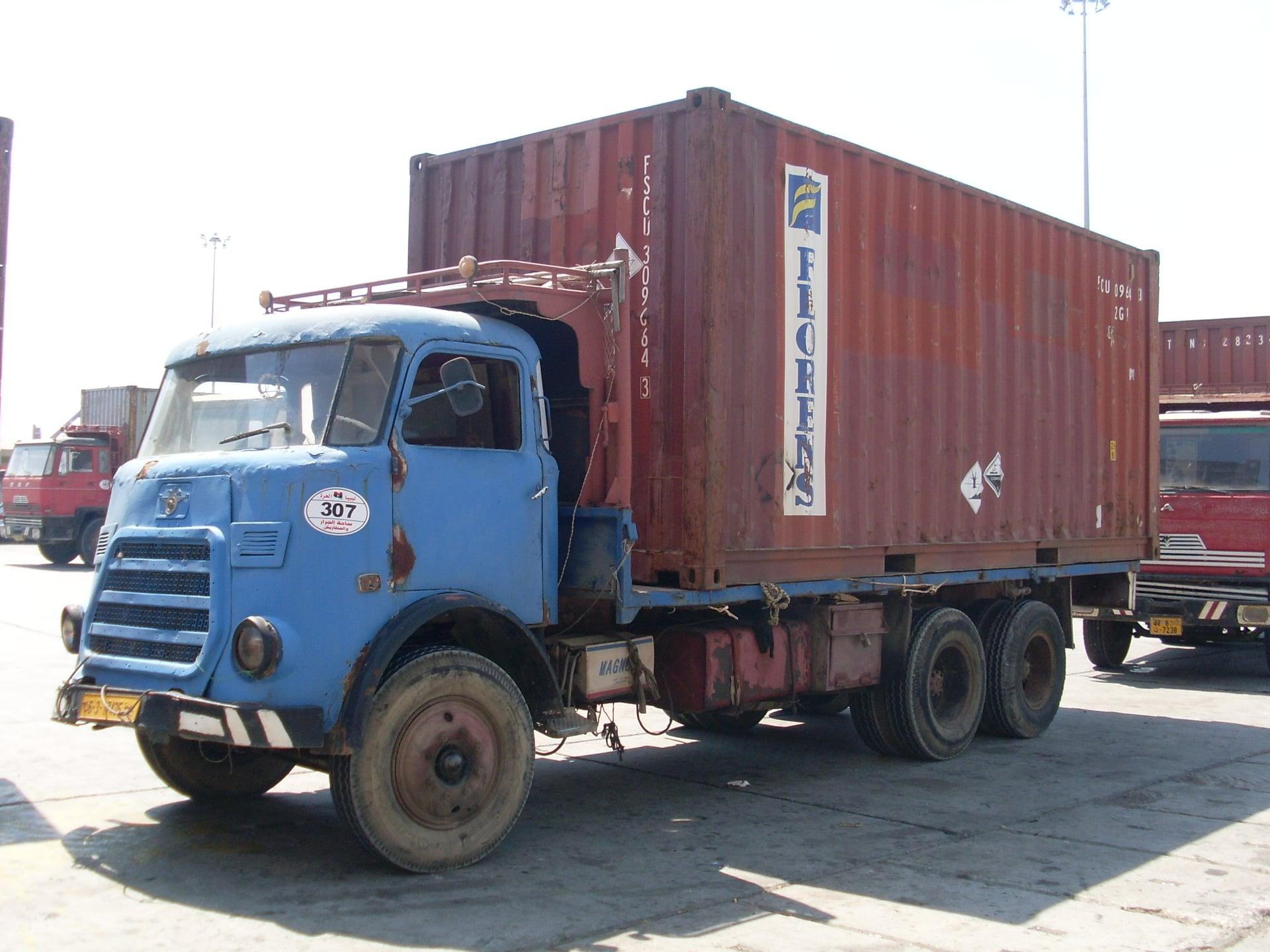 Daf-in-de-haven-van-Tripolie-2018--Ad-van-Heel-geel-archief--(22)