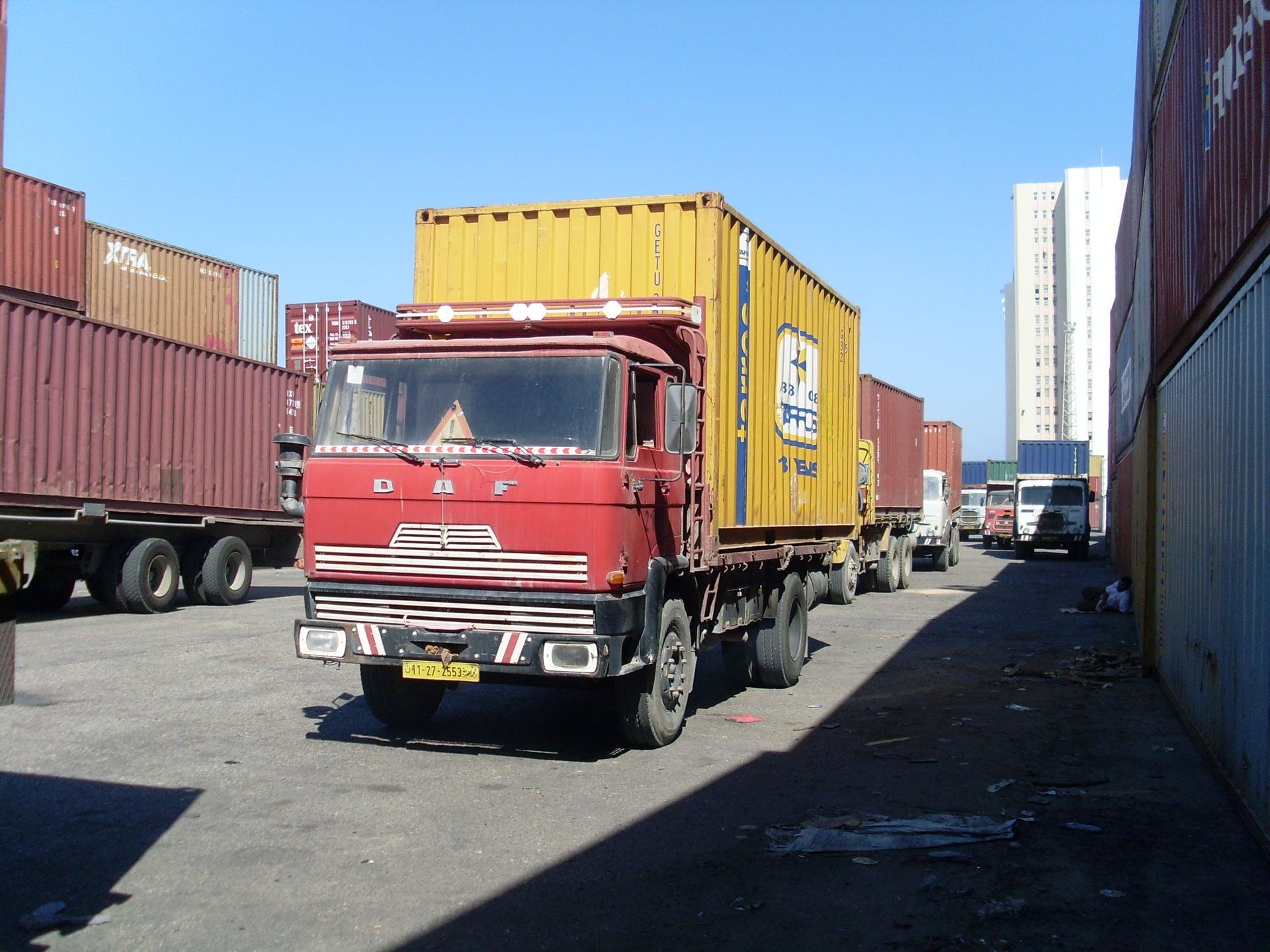 Daf-in-de-haven-van-Tripolie-2018--Ad-van-Heel-geel-archief--(24)