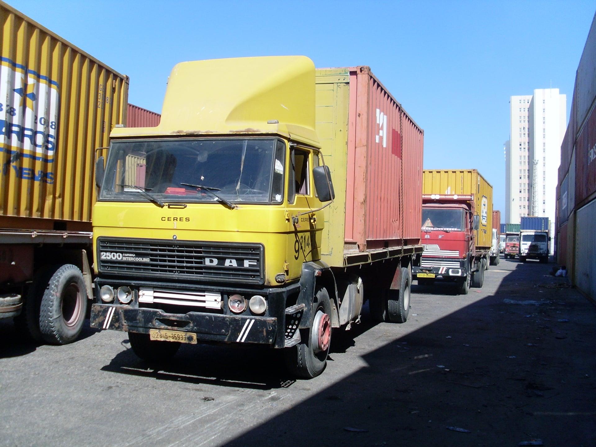 Daf-in-de-haven-van-Tripolie-2018--Ad-van-Heel-geel-archief--(25)