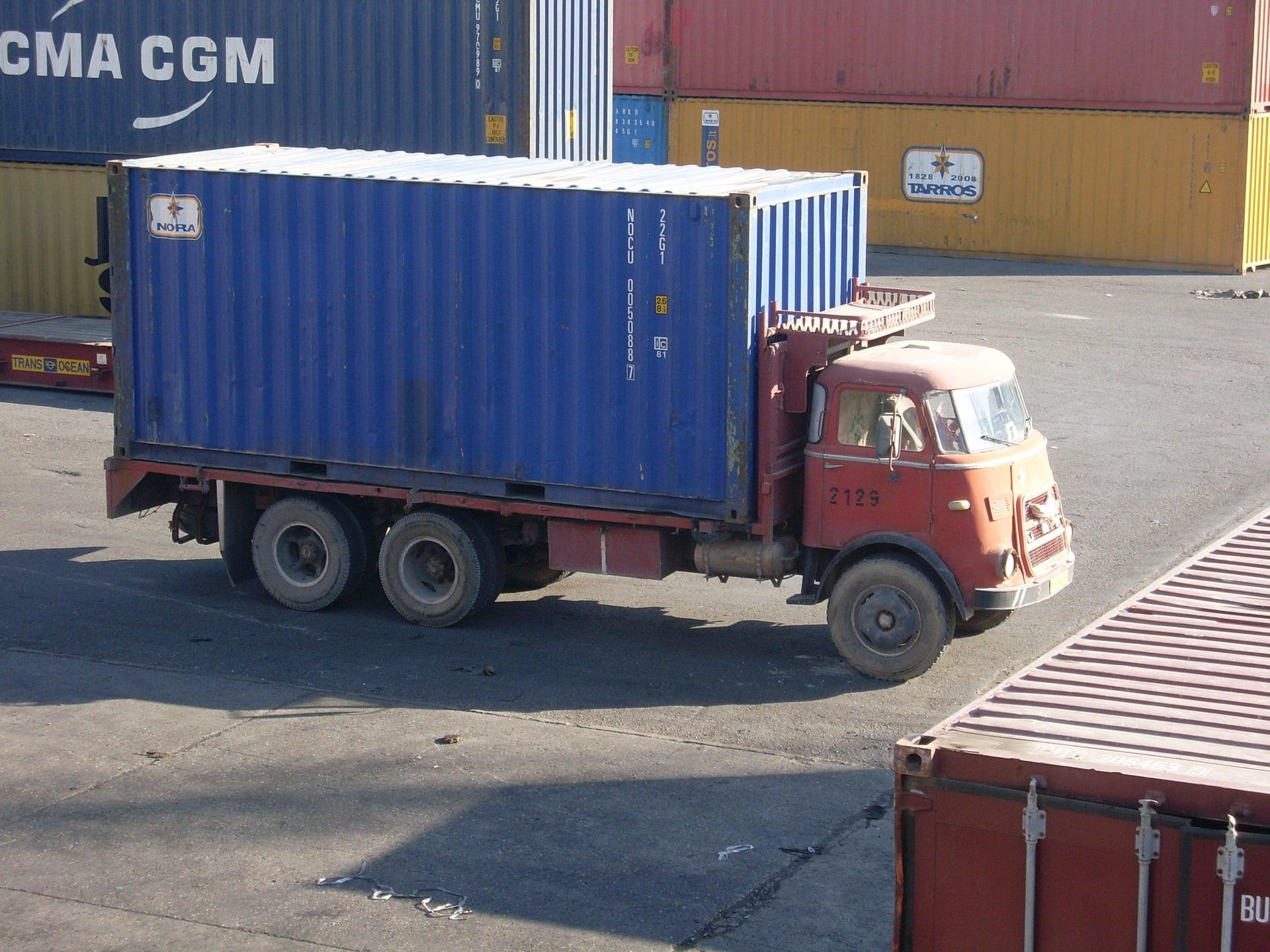 Daf-in-de-haven-van-Tripolie-2018--Ad-van-Heel-geel-archief--(6)
