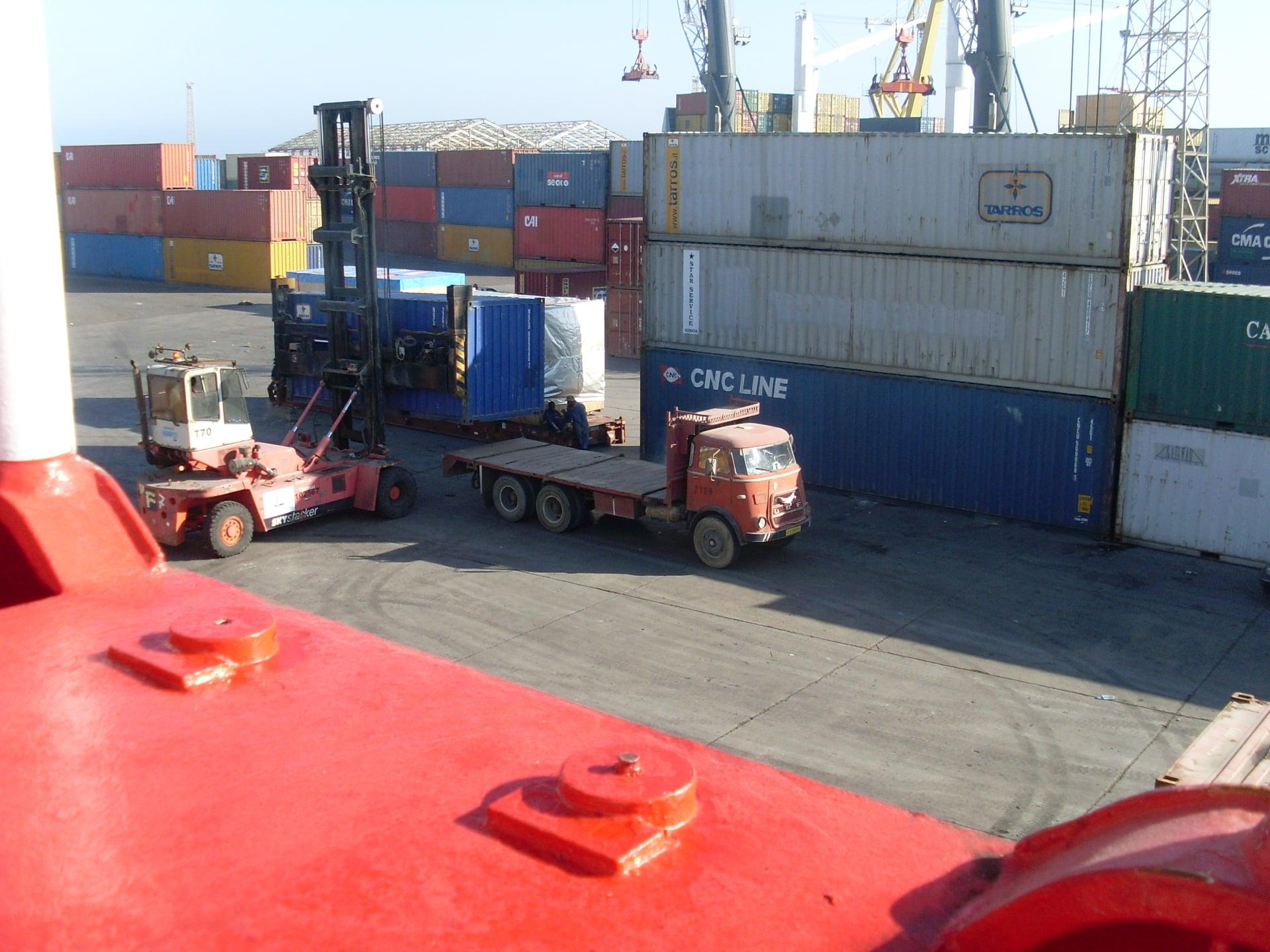 Daf-in-de-haven-van-Tripolie-2018--Ad-van-Heel-geel-archief--(7)